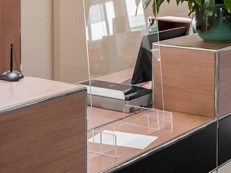 Spuck-Schutzplatte für Theken und Tresen